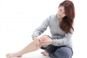 woman with tendonitis